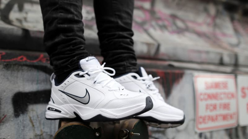 Nike Men_s Air Monarch IV